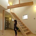 木製のスケルトン階段