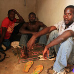 Refoulés clandestins dans leur chambre.Bamako.Mali.