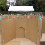 2013年11月9日 ダンボール製ミニ城壁の完成!