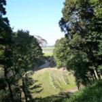 Ⅳ郭、東山虎口を通して印旙沼方向を見る