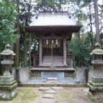 向根古谷郭内にある神明神社