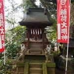 麻賀多神社境内稲荷