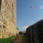 Mur du donjon repris et édification d'une barrière autour