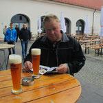 Maik Lippold mit Weissbier
