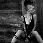 Model: Noemi Monoke / Foto: www.karinmerz.com
