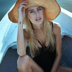 Model: Vivien / Foto: www.karinmerz.com