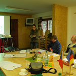 """Frau Walzcak von der HTW Dresden berichtet über das E+E-Vorhaben """"Grünlandverbund Oelsen (Osterzgebirge)"""""""