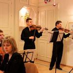 """Mardi 18 décembre Concert de Noël avec le groupe familial """"Camerata"""""""