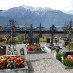 ...auf einem Kirchenfriedhof.