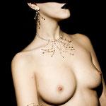desnudo joyas, fotografia,desnudo,joyas,fotografo joyas, fotografo bisuteria,estudio fotografia joyas,fotografo desnudo joyas