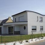 Maison toiture en forme de vague