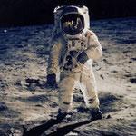 NOMBRE DE LA IMAGEN: Apollo 11 Moon. AUTOR: Neil Armstrong. AÑO: 1969.