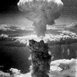 NOMBRE DE LA IMAGEN: La bomba de Nagasaki e Hiroshima. AUTOR: Desconocido. AÑO: 1945.