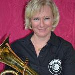 Sara: Aktivenbeisitzerin, Registerchefin Bass (Musikkommission)