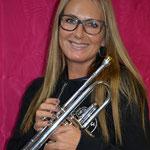Sandra: Vizepräsidentin, Co-Registerchefin Trompete (Musikkommission), Sujetkommission