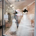 Schaufenster Brautkleider