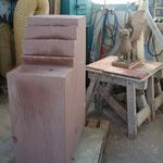 Sandsteinblock und Tonmodell