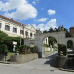 Welcome to Bildungshaus Schloss Großrußbach, in Weinviertel near Vienna.