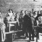 Захаров Ф.Н. Фото из мастерских ВХУТЕМАСА  Захаров второй справа