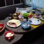 der Tag beginnt mit einem guten Frühstück