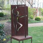 Skulptur im Garten 1