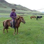 Viehzüchter mit Urga (Stange mit Lasso)