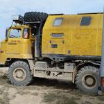 Das Fahrzeug ist ein ehemaliger DDR Laster