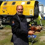 dieses Foto habe ich versprochen - dem Team Hotelwäsche Müller - mit der Kochkleidung Job Line in der Mongolei - Murmeltier braten