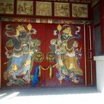 Eingang zum Bogd Khan Museum - Bogd Khan war weltlicher und geistiger Führer der Mongolen Anfang 19.Jhrh. und als Buddha verehrt