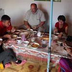 gemeinsames Essen mit der Familie