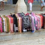 Baumwolle und Seidenstoffe aus usbekischer Herstellung - wenn's stimmt