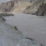 Grenzfluss zu Afghanistan