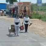 Besonders schwer hatten es zudem die islamistischen Frauen die neben dem Moskitoschutz auch noch Ihre Verschleierung auszuhalten hatten