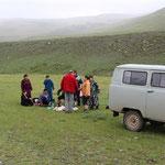 Picknick einer mongolischen Familie