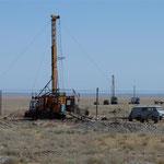Erforschung der Bodenschätze durch Bohrungen und Grabungen