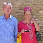 In Usbekistan heißt es: eine Frau sollte 7kg Gold am Körper tragen - egal wo
