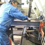 バンドソーによる鋼材切断