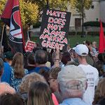 Bild: Solidaritäts-Demo in den USA für die Opfer von Charlottesville, 13. August 2017. / Mark Dixon
