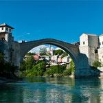"""Die berühmte """"Alte Brücke"""" von Mostar"""