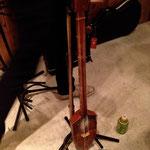 山川冬樹くんの「馬頭琴」的なる楽器。何ていったかな〜。名前、教えて貰ったんだけれど、忘れてしまった。