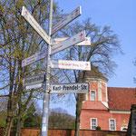 Hinweisschilder Radwege