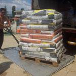 2014 November  Ankunft des Futter Transport für das Tierheim in Alexandroupolis