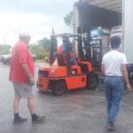 2014 Xanthi bekommt die erste Futterspenden Lieferung