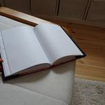 Black Book: Für wen wohl?