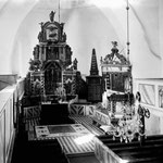 So sah das mal aus. Rechts vom Altar der Gedenkstein 1914/1918