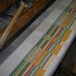 Decke im Werden, im Webstuhl, Material – BW/ Alpaka