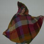 Poncho,   Material – Wolle, Bindung – gleichseitiger Köper