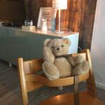 Auch ein Kinderstuhl ist in der Wohnung vorhanden