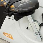 unser Ergometer mit einstellbarem Trittradius für Patienten mit reduzierter Kniebeweglichkeit