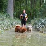 Die Wege waren zum Teil noch überschwemmt